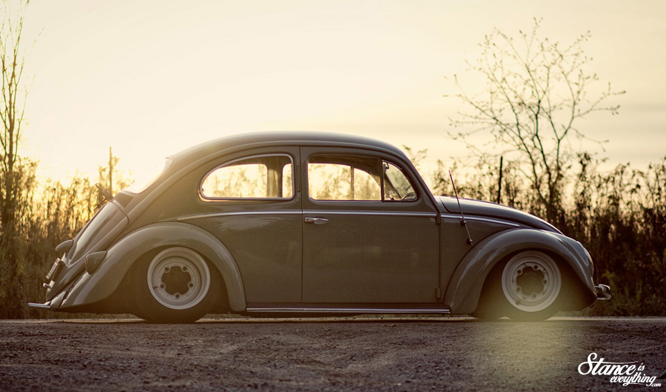 stance-is-everything-taylord-customs-slammed-beetle-sun-side