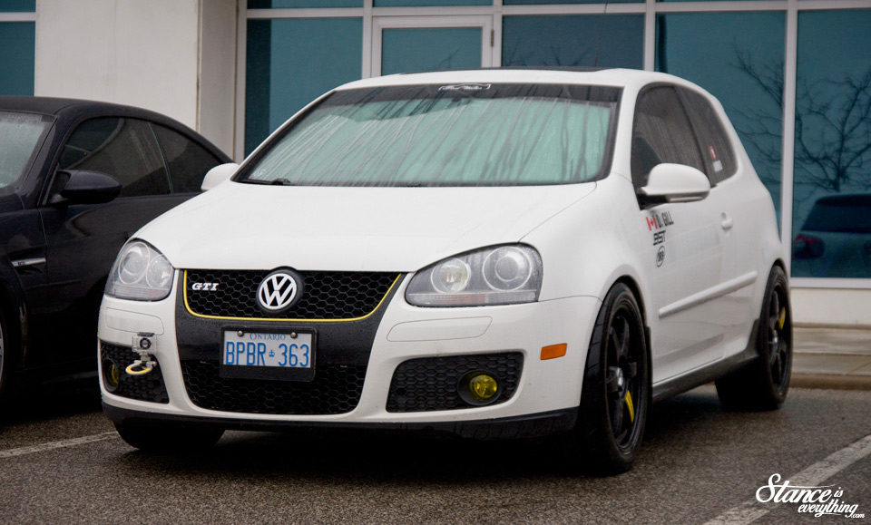 cars-and-coffee-toronto-may-2016-vw-gti-1