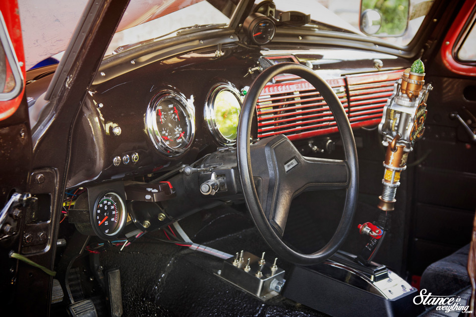 turbo-diesel-1952-gmc-9700-interior