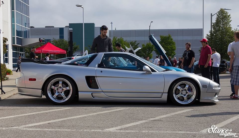cars-and-coffee-toronto-finale-2016-43