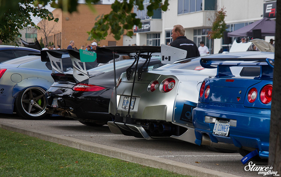 cars-and-coffee-toronto-finale-2016-57